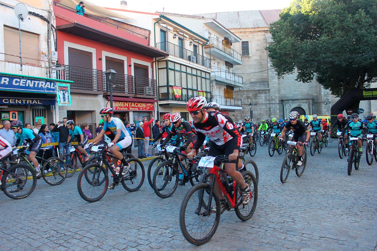 Alejandro Carrión y Alba Corralejo vencen en la III MTB Cebrereña