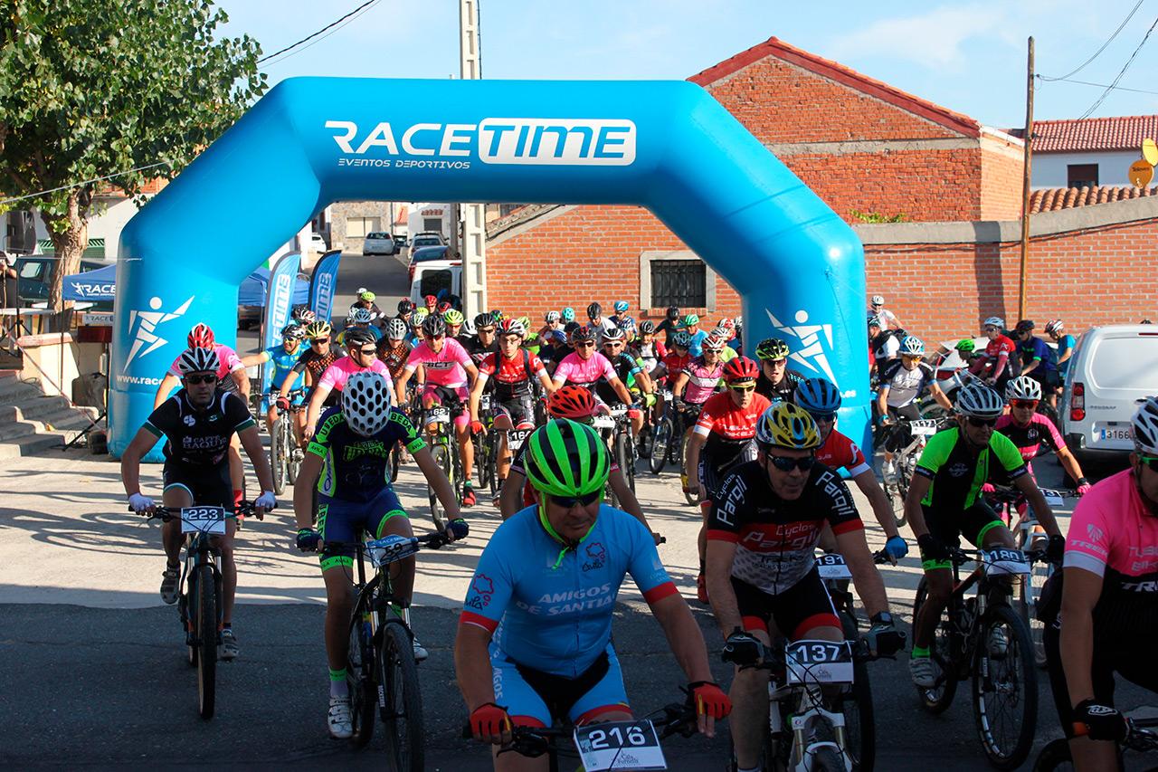 Centenar y medio de participantes animaron la III Ciclomarcha de Aveinte
